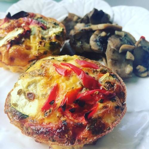omelete de forno + cogumelos_poetenalinha.jpg