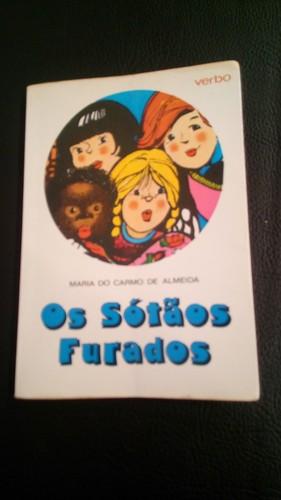 Livro Os Sotãos Furados Verbo.jpg