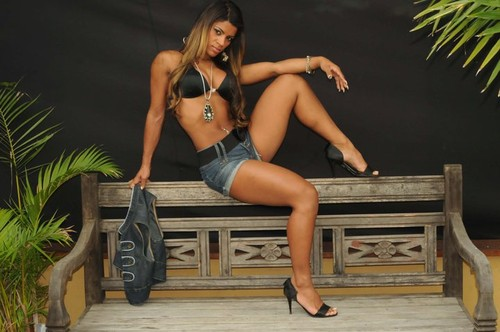 Aline Amorim 4.jpg