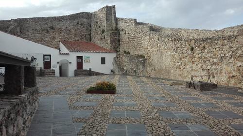 Castel5.jpg