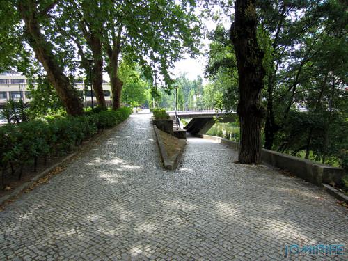Jardim do Polis Leiria (Centro) - Passagem por baixo da ponte (1) [en] Polis Garden of Leiria, Portugal