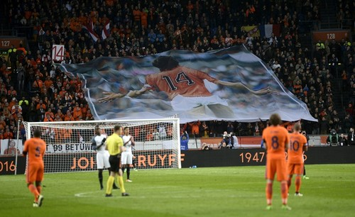 Homenagem-Croyff-Holanda-x-França.jpg