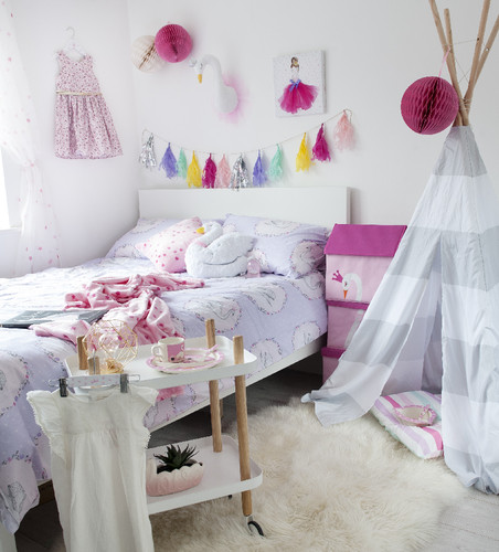 Swan Princess duvet covers €16 $18, Swan Storage