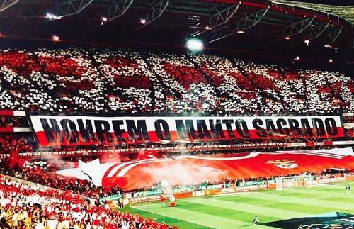 Benfica_honrem_o_manto_sagrado.jpg