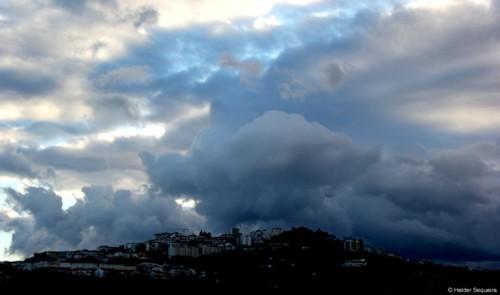 Nuvens sobre a cidade - HS.jpg