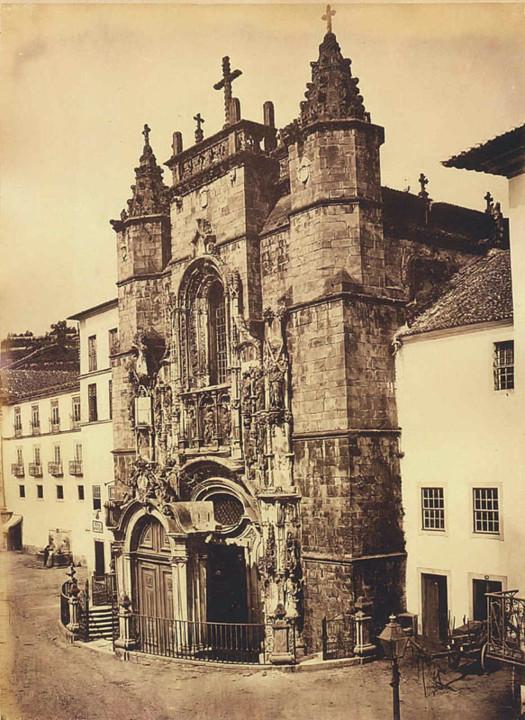 Fonte na Fachada de Santa Cruz em Coimbra. J. Laur