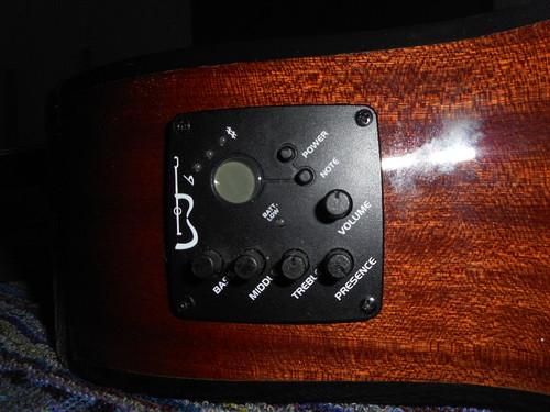 A guitarra acustica APC de Vasco M.Gritali