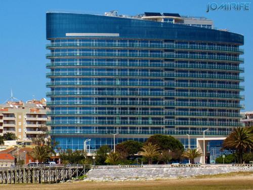 Hotel Ponte Galante na Figueira da Foz de perfil (1) [EN] Hotel Galante Bridge in Figueira da Foz by side