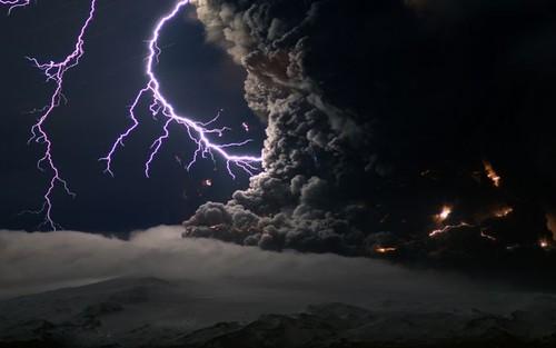 vulcano-ashes.jpg