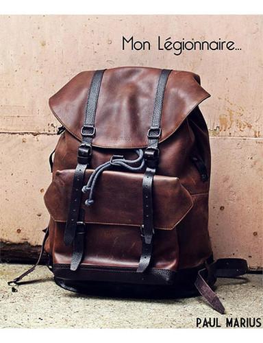 vende de mochilas de couro