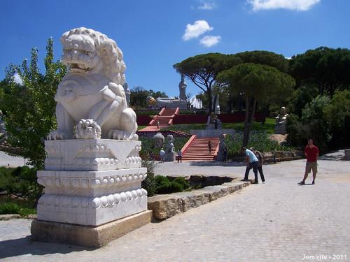 Jardim Buddha Eden - Monte da estátua deitada