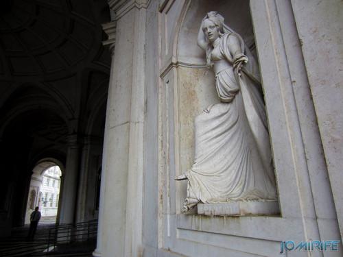 Lisboa - Palácio Nacional da Ajuda - Estátua Liberalidade [en] Lisbon - Ajuda National Palace - Statue Liberality