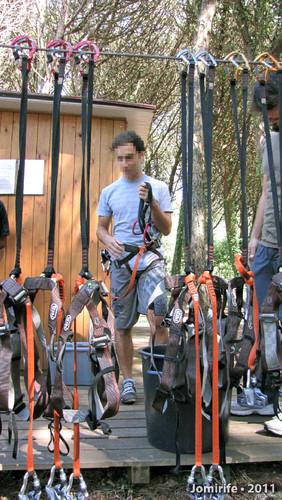 Parque Aventura: Vestir o equipamento