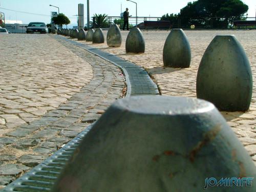Esplanada Silva Guimarães na Figueira da Foz (3) Pinos metálicos