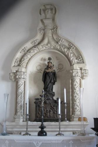 S, Antoninho dos porcos altar.jpg