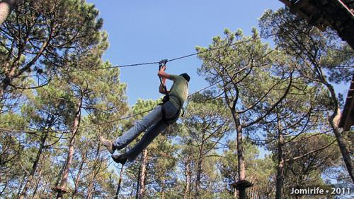 Parque Aventura: Slide entre árvores