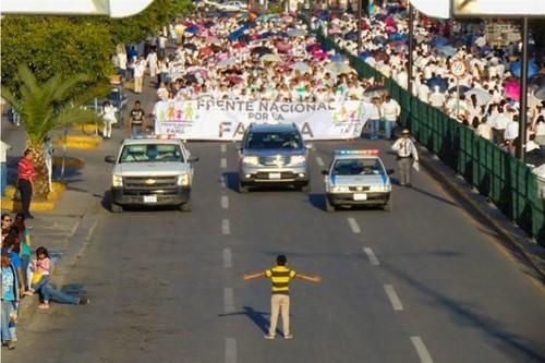 México manif anti casamento gay.jpg
