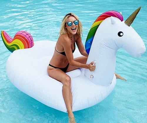 giant-inflatable-unicorn.jpg