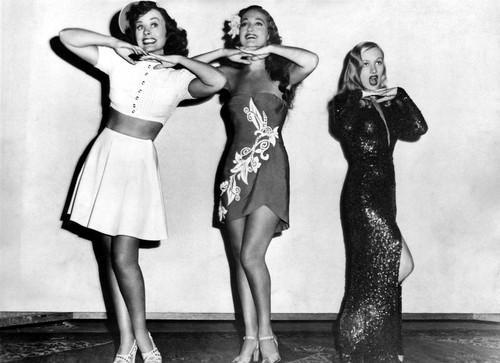Paulette Goddard, Dorothy Lamour & Veronica Lake (Star Spangled Rhythm, 1942)