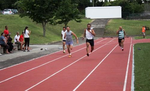 Ângelo Dias na frente da final de 60m...