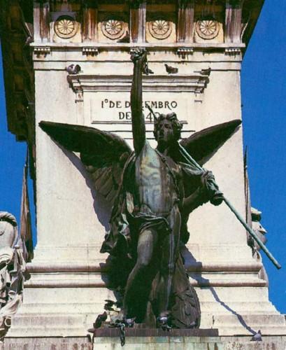 Lisboa. Monumento aos Restauradores.jpg