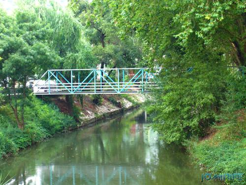 Jardim do Polis Leiria (Este) - Rio Lis e ponte Este (2) [en] Polis Garden of Leiria, Portugal