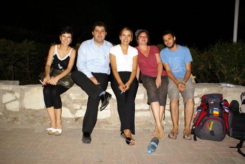 Da direita para a esquerda: Diogo, Claire, a noiva, Mehmet e a amiga