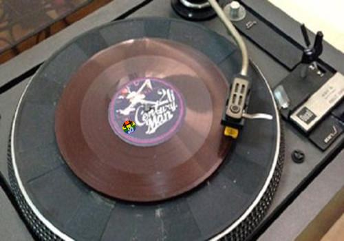 HD Disco de chocolote toca música de verdade.jpg