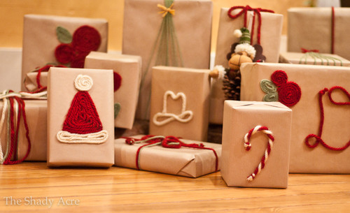 Yarn-wrapping-30-cute-ways-to-wrap-Christmas-prese