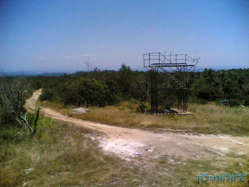 Torre de vigia da Serra Boa Viagem destruida (1)