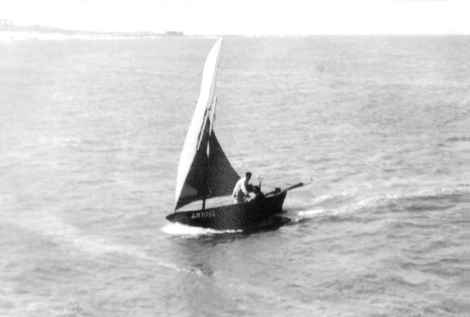 35 - A Masseira velejando.jpg