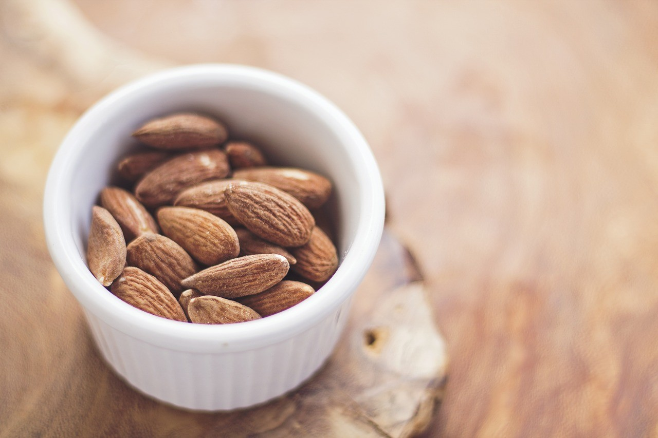 almonds-768699_1280.jpg