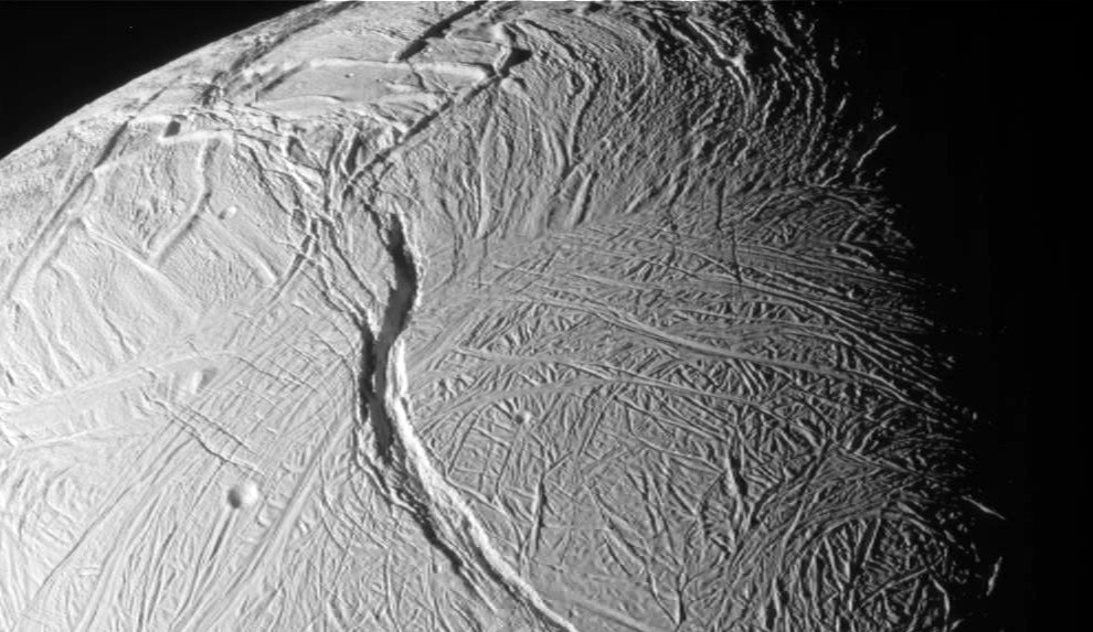 ENCELADO- Satélite de Saturno.jpg