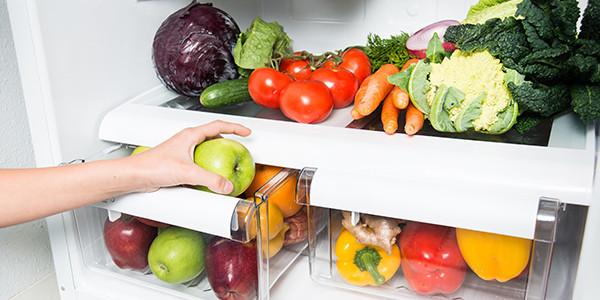 10-alimentos-que-voce-nao-deve-guardar-na-geladeir