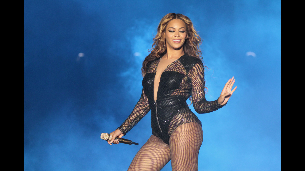 la-et-ms-beyonce-to-perform-receive-honor-at-mtv-v