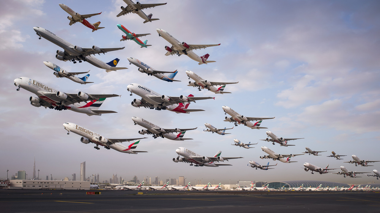 Dubai-International-12R-Morning-Heavy-Departures.j