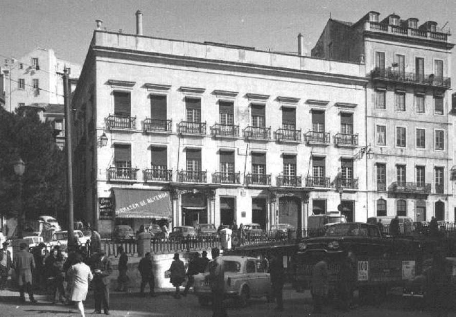 Largo de São Domingos, 1968, foto de Armando Ser