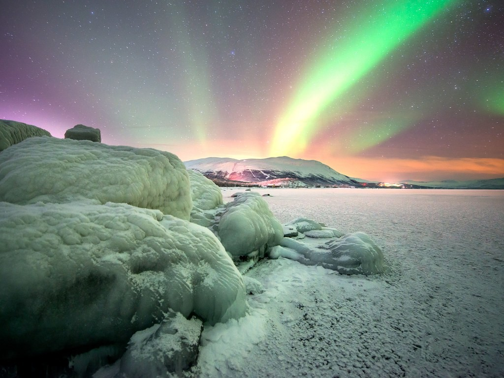 abisko-sweden-northern-lights-GettyImages-49999767