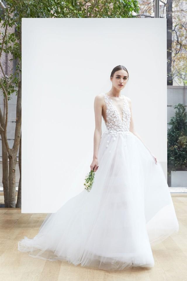 09-oscar-de-la-renta-bridal-2018.jpg