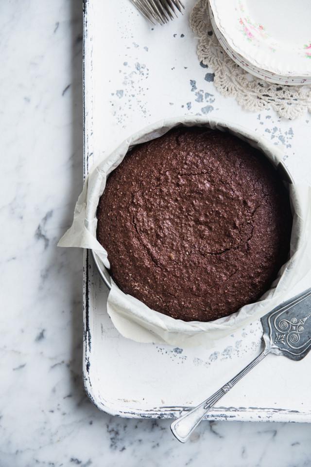 hazelnut_coconut_cake4.jpg