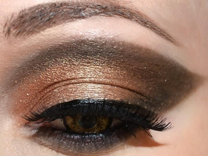evil-queen-makeup-3.jpg
