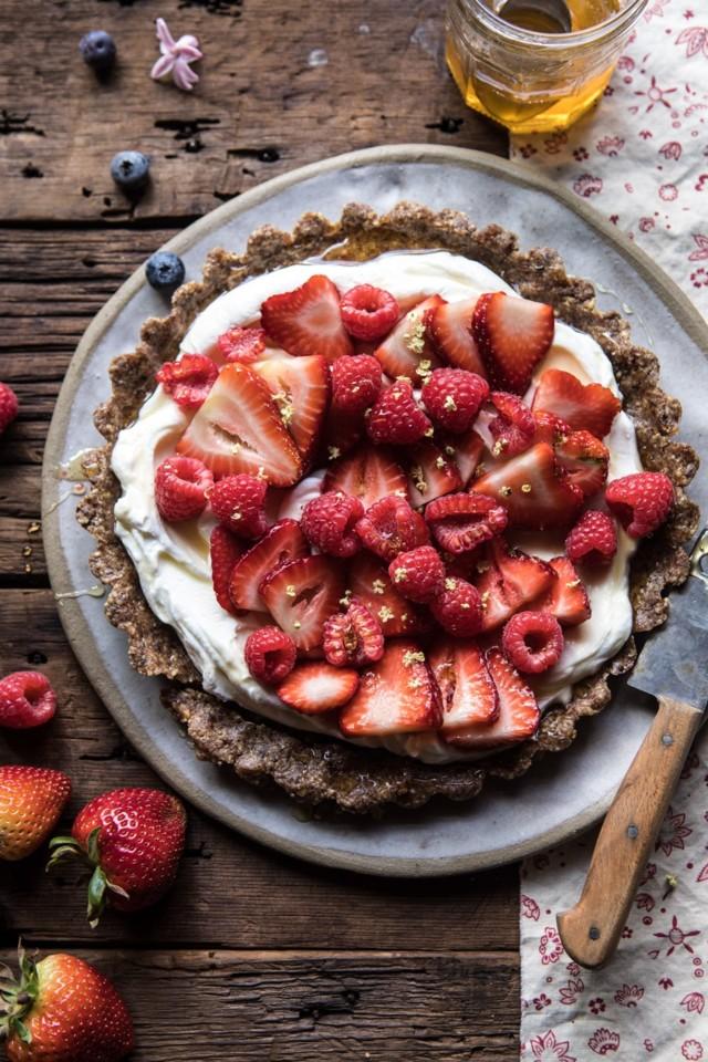 No-Bake-Greek-Yogurt-Fruit-Tart-1.jpg