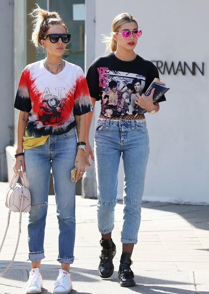 Fishnet-Tights-Jeans-Trend.jpg
