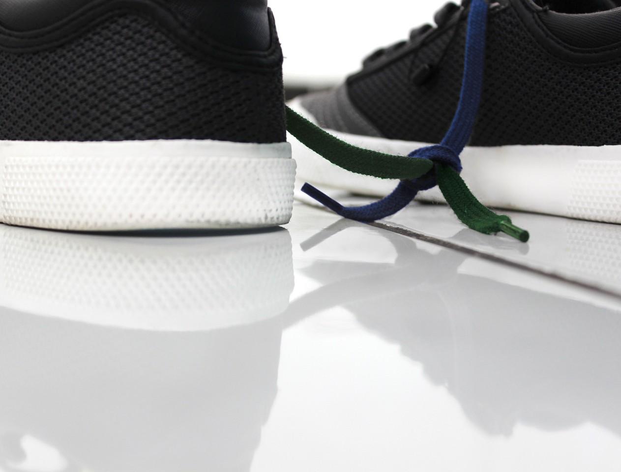 shoes-1751928_1920.jpg