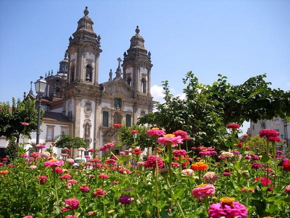Vista panorâmica do Mosteiro de S. Miguel de Refo