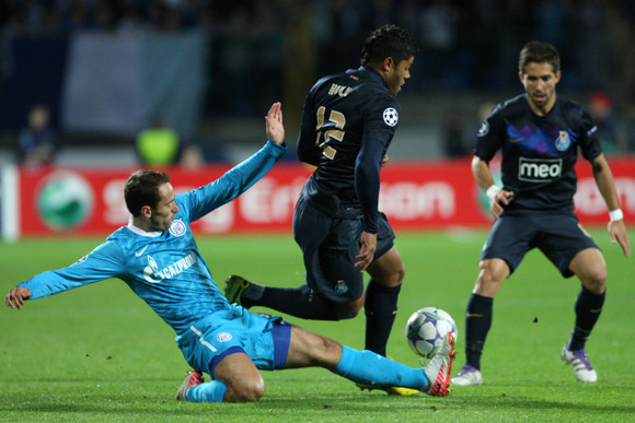 FC Porto perde em São Petersburgo
