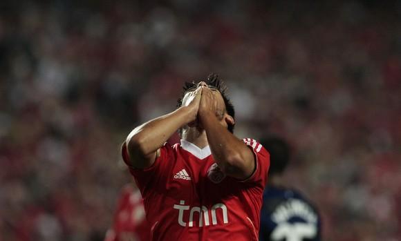 Benfica inicia Liga dos Campeões com um empate