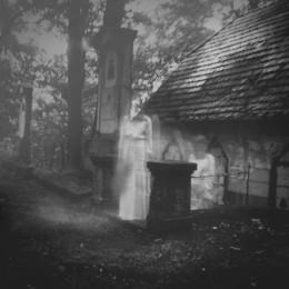 spirit-1887126_1920.jpg
