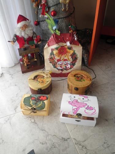 Alguns exemplos de caixas pintadas á mão!